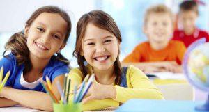 En clase contentos