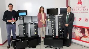 entrega de ordenadores a ONG